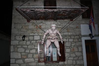 Padobranac-Fausta-Vrancica