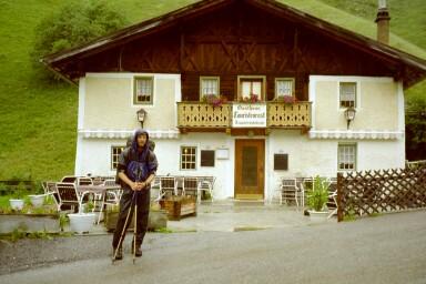 Ich vor dem Gasthaus Touristenrast (1345m)