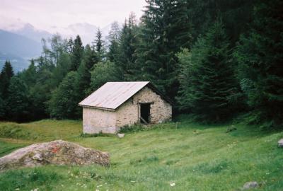 Luxusunterkunft auf Alpe Vallascia (1240m)