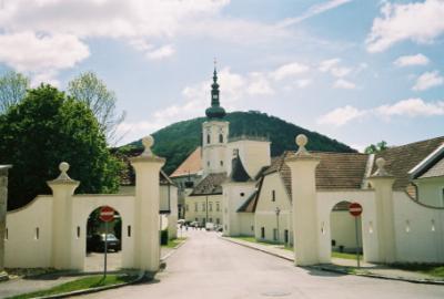 Stift Heiligenkreuz (312m)