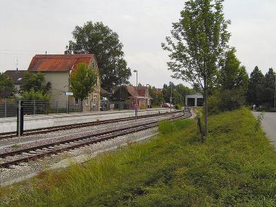 800px-Dettenhausen_bahnhof