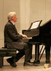 Vater-am-Klavier