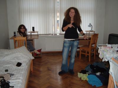 Ein Zimmer - so als Beispiel und hinten links sitzt Ursula - ebenso aus Polen