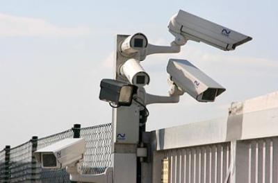 Wo immer du bist, ob so oder mit deinem Handy, über GSM-Netz, Funk, IP, Wi-Fi, Wlan, VDS, Bundestroyaner, Online-Durchsuchung, AUTOSAR, Drohnen, Satelliten, GPS, Web -Mini-spycams, Wanzen, Monitoring, Mikro-Nano-Implantate, Flughafen-Körper-(Hirn)-Scanner, Pass, ID, FA, GA, Cumulus, Supercard, Post- Bank- Kredit- und -Kr.-Kassen-Karte, Infostar, Isis, Kapo-Bupo-NDB-Fichen und dem netten Polizisten, Beamten, Pöstler oder erpressten Spitzel-Gangster-Nachbar von nebenan: WIR HABEN DICH, und du bist Teil unserer Mind Control ferngesteuerten, paralysierten und hypnotisierten Arbeiter- und Konsum-Sklavenherde-Bevölkerung!