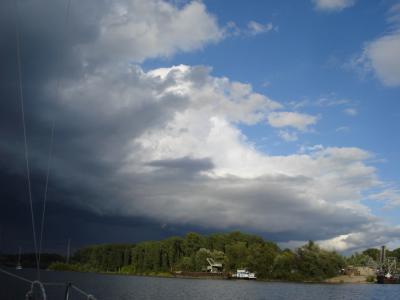 Schwarze-Wolke