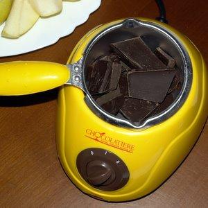 Schokoladen-Fondue mit laktosefreier Schokolade