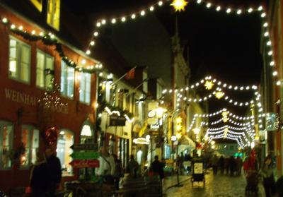 Weihnachtszeit-in-der-roten-Strasse