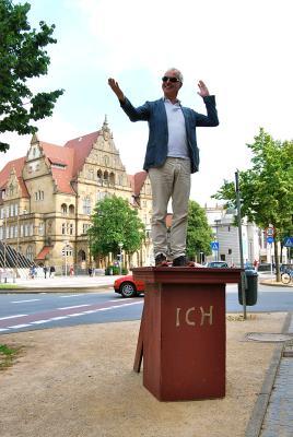 <br /> Bielefelder B&uuml;rger pr&uuml;fen erfolgreich das Ich-Denkmal-Modell