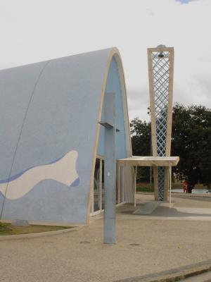 Franziskus-Kirche Oscar Niemeyer-2