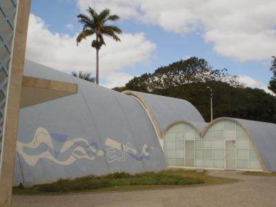 Franziskus-Kirche Oscar Niemeyer-3