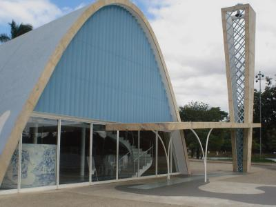 Franziskus-Kirche Oscar Niemeyer-6