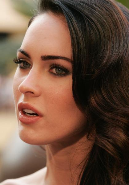 Megan Fox Hot Topic 5