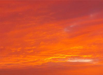 Orangerosaner Himmel bei Sonnenuntergang