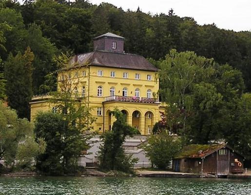 Berg-Schloss-Unterallmannshausen-Titelbild