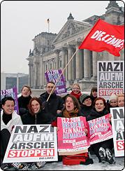 Katja-Kipping-vor-dem-Reichstag