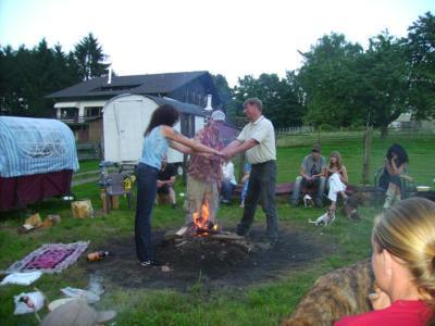 indianische Hochzeitszeremonie mit echtem Native American aus Amerika, USA