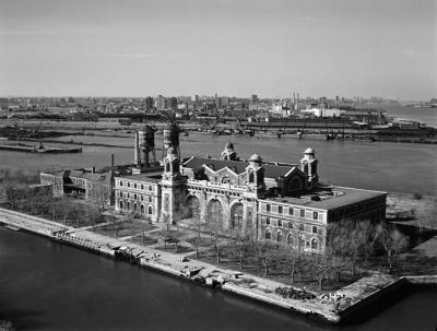 Ellis-Island1