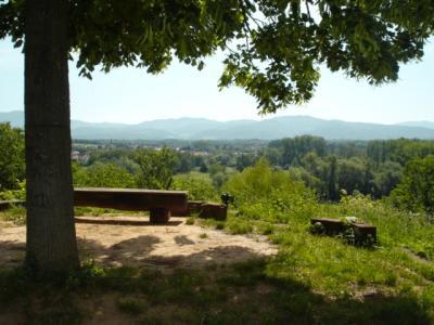 Schlosspark-Hugstetten-Aussichtspunkt-Belvedere-Steinoktogon
