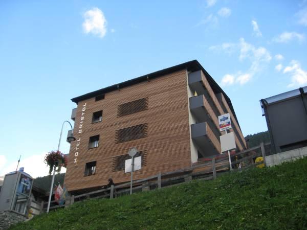 Adorno_Zermatt_Schluhmattstr3_HotelBristol_5