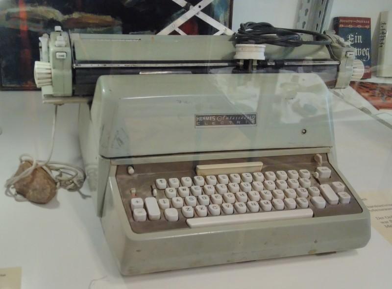 FriedErich-Schreibmaschine_BM1090