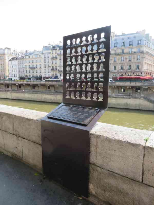 Paris_Denkmal1961_1
