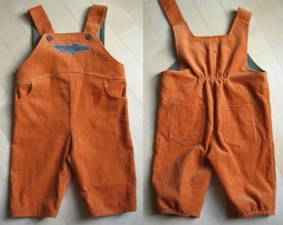 Latzhose in orange, Vorder- und Rückseite