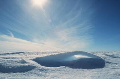 305-Schneebogen-gegen-Sonne
