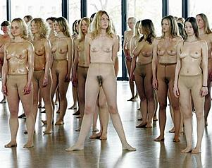 Nackte Szenen von Sharonsteinbildern