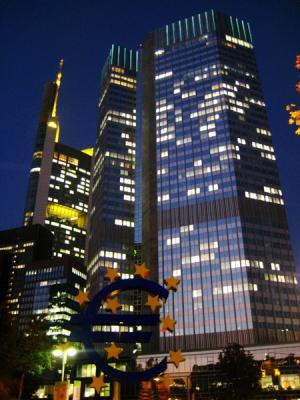 Frankfurt bei Nacht - Von Sachsenhausen bis zum Willy-Brandt-Platz