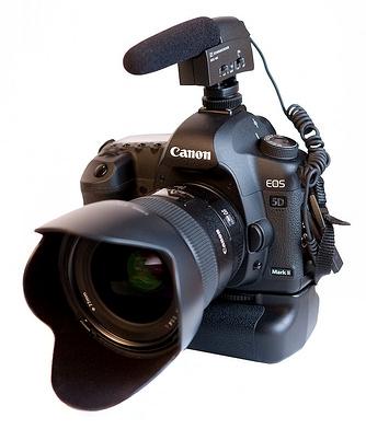canon-mark-ii-sennheiser-mke-400-microphone-shotgun-audio-lens-hood-gear-equipment-professional-tech-technology-videography-bcp-gearhead-stereo-jack-windscreen-photo1