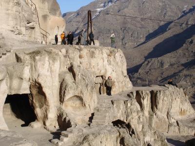 Beim Höhlenkloster von Wardsia in Georgien.