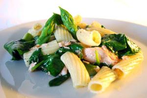 Pasta al salmone e spinacci