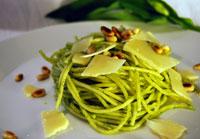 Spaghetti mit hausgemachtem Bärlauchpesto