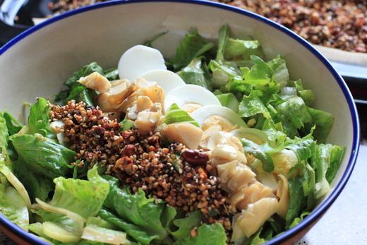 Buchweizen-Granola-im-Salat