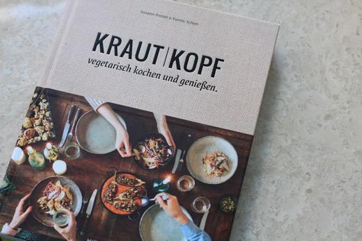 Kochbuchregal-Kraut-Kopf