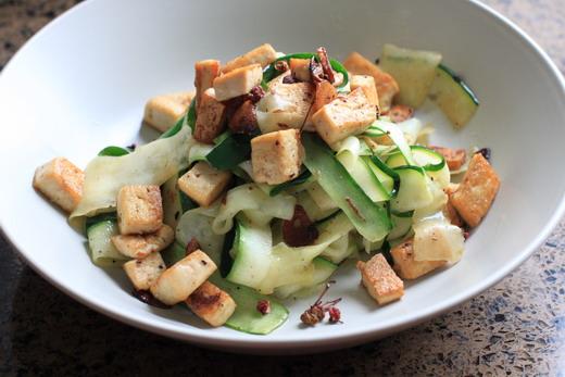 Zucchini-Ribbons-Tofuwuerfel