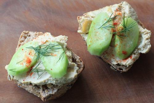 humus-gurke-semmel