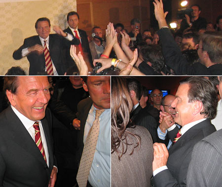 Gerhard Schröder live auf der Wahlparty im Willy-Brandt-Haus