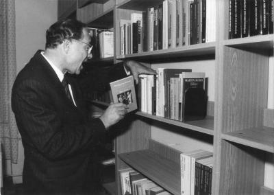 kraus-uns-sein-Buch