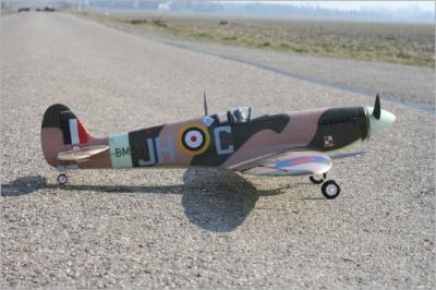 Hier gehts um RC Flugzeuge im Modellbau