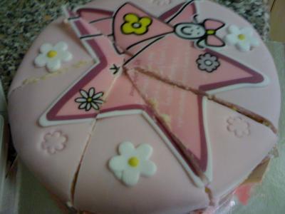 Eine pinke Torte.