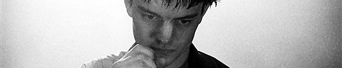 "Sam Riley als Ian Curtis in ""Control"""