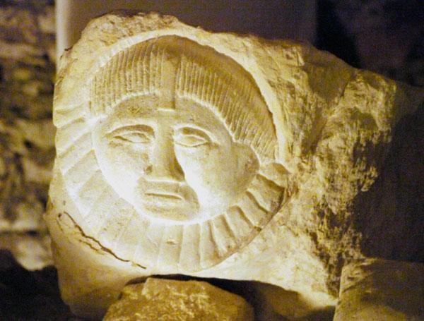 Hoehlenskulpturen Deneze sous Doue 13