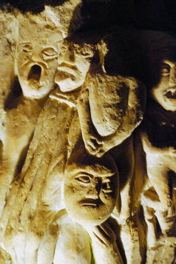Hoehlenskulpturen Deneze sous Doue 16