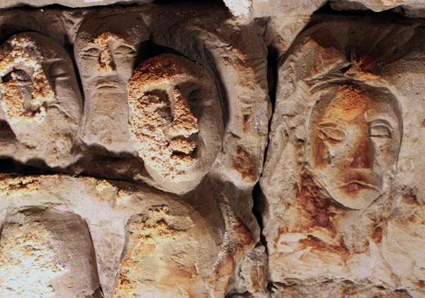 Hoehlenskulpturen Deneze sous Doue 7