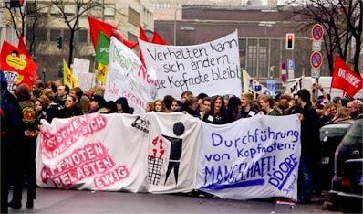19-Januar-2008-Duesseldorf-Demo-gegen-Kopfnoten-3