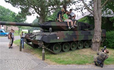 30-Mai-2008-Bw-Olympix-2008-Warendorf-Leopard2