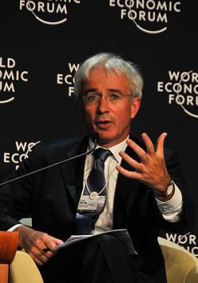 330px-Peter_Sands_-_World_Economic_Forum_on_East_Asia_2009