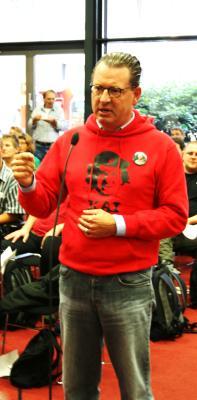 Genosse_Kai_Diekmann_taz_Genossenschaft_Generalversammlung_Berlin_2009_09_19
