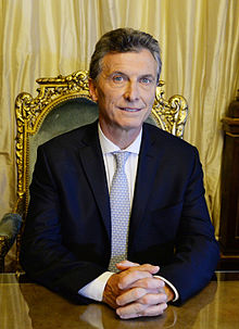 Presidente_Macri_en_el_Sillon_de_Rivadavia_-cropped-